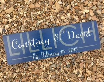 Family established sign. Last name wood sign with Established date. Personalized sign. Wedding gift. Family name sign. Modern sign. Calligra