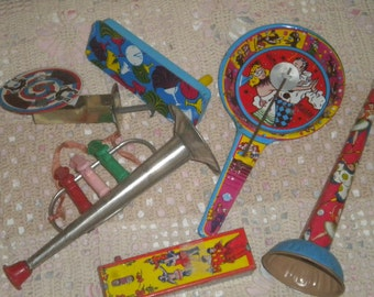 Set of 6 Vintage Noise Makers, Collectible Toys