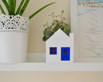 Succulent little house planter white and blue