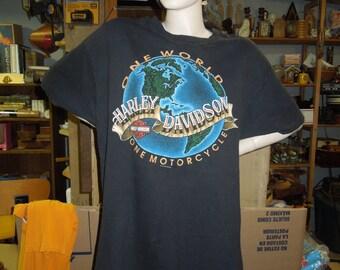 XL Vintage One World Harley Davidson Motorcycle T Shirt with Suburban Motors Thiensville, Wis Advertsing Extra Large Black