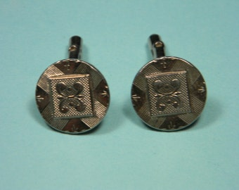 Silver Tone Scrolled Detail Cuff Links, Men's Fashion, Vintage Menswear