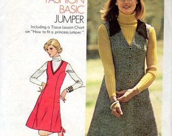 "Easy 1970s V-Neckline, Women's Jumper Pattern - Size 9/10, Bust 30 1/2"", petite - Simplicity 6628"