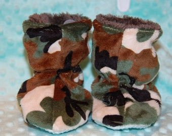 Boy Camo Minky baby booties - Baby Boy Slippers - Liner warm cuddle minky - 0/6 Mo or 6/12 Mo size -