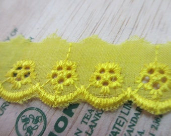5 Yards New Lace Trim Embroidered Eyelet Yellow Cotton Lace with Scallop Edge - 24 mm Wide