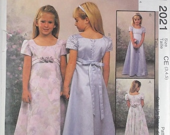Girls Lined Dress McCalls Pattern 2021 by Alicyn Exclusive Flowers Girl Pattern Summer Dress Party Dress Destash Craft Commercial Supply