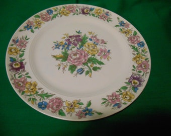 """One (1), 10"""" Dinner Plate, from Salem China, in the Lansdowne Pattern."""