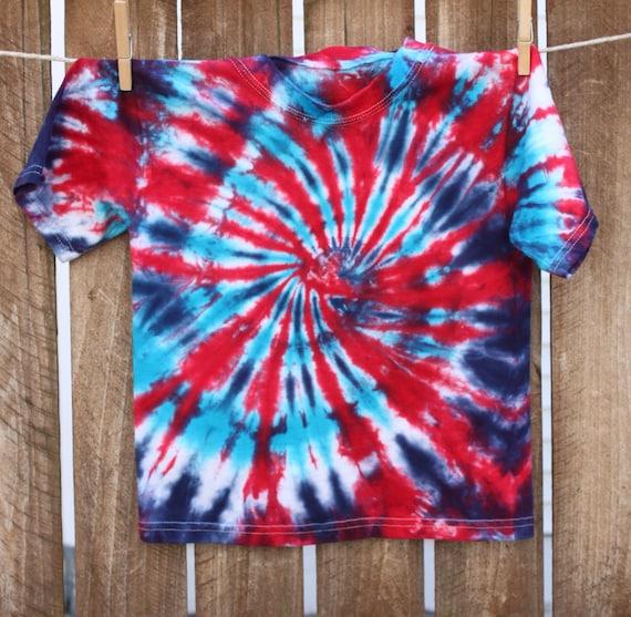 rouge blanc et bleu t shirt tie dye pour enfants 4 juillet. Black Bedroom Furniture Sets. Home Design Ideas