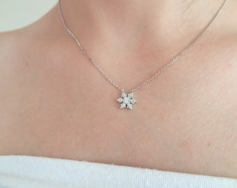 925K Sterling Silver Necklace, Tiny Snowflake Necklace, Zircon Stone Necklace, Wedding Necklace, Feminine,Gift For Him