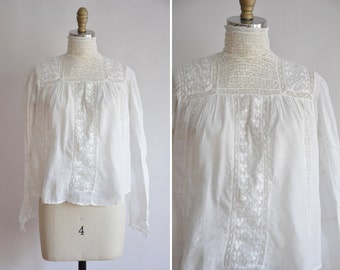 antique Walking with Magic blouse / vintage 1900s clover blouse/ old white cotton summer blouse
