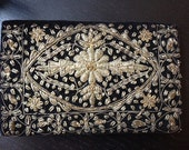 Antique gold embroidered purse/ Zardozi embroidery floral velvet clutch/ Art Deco 1930s - 40s evening cocktail party bag