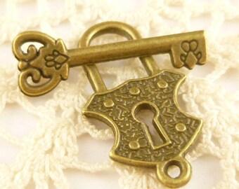 Bronze Tone Key and Lock Toggle Clasp (5 sets) - A58
