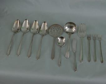 SALE - Prestige - 12 place setting - 1935 - Longchamps Silverplate - Prestige by Oneita - FS-430
