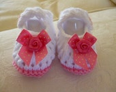 Hand knitted pair baby girls candy pink and white shoes 0  3 month