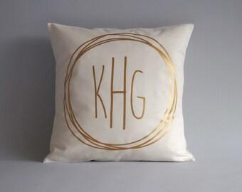 Monogrammed pillow - Modern monogram pillow - 16x16 18x18 20x20 24x24 -  Monogram Pillows - Cushion Gold Monogram - Pillow Monogram
