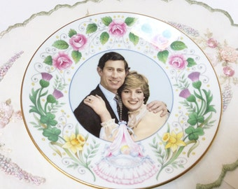 Crown Staffordshire Bone China Commemorative Plate, Royal Birth, Birth of Prince William, Mint Condition