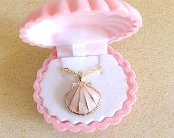 Sea Shell Necklace in Pink Shell Box, Coral Pink Seashell Necklace, Beach Necklace, Nautical Necklace, Gold Seashell, Summer Necklace