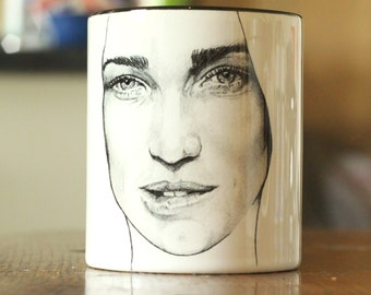 Caity Lotz - Limited Edition -Arrow - Green Arrow - Black Canary - The Canary - Legends of Tomorrow - hand printed Cup