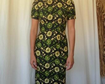Vintage Mid Century Quipao Cheongsam Dress -Size SM.