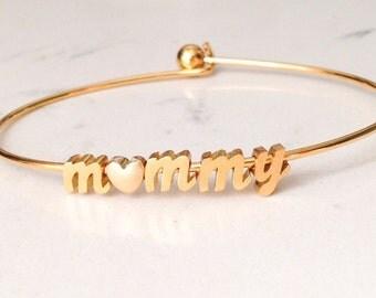 name bracelet // gold script font