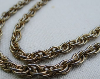 Gold Tone Prince of Wales Chain with Textured Links