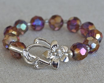 Flower clasp bracelet in Amethyst faceted glass, chunky bracelet, purple bracelet, silver flower, multicolor sparkle
