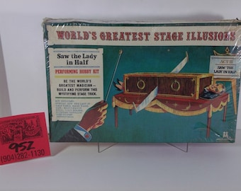 "Multiple Toys ""World's Greatest Stage Illusions""-Saw the Lady in Half Model kit"
