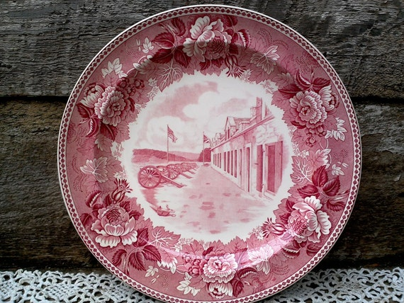 """Historical Dinner Plate Red Transferware Fort Ticonderoga, Lake Champlain, New York 10 1/8"""", WEDGWOOD, Floral, Canons, French, Wall Decor"""