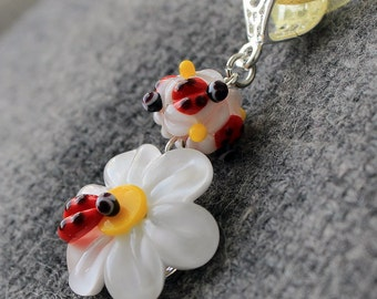 Lampwork pendant Beads Daisies & Ladybug, Lampwork beaded Necklace, Handmade Glass beads Daisy Flower, Lampwork glass beads Flower Necklace