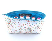 Medium White and Blue Polka Dotted Essential Oil Travel Case with 11 sleeves