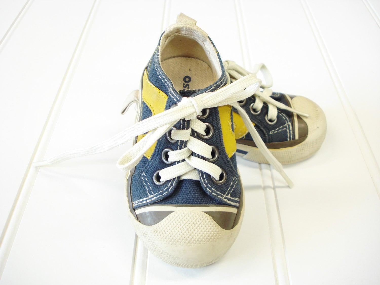 vintage baby shoes baby boy osh kosh tennis shoes size 2