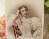 Beautiful Victorian Woman Cabinet Card Photo