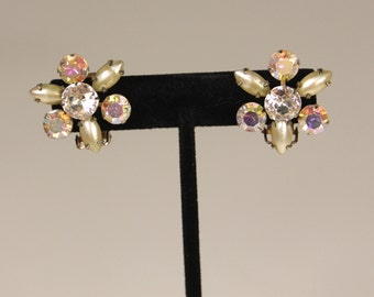 Vintage Star Flower Rhinestone & Glass Pearl Golden Clip-On Earrings Mid-Century Hollywood Glamour Girl Costume Jewelry