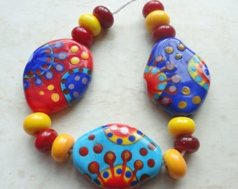 Colorful Siddhartha Bead Set, 3 focals and 12 spacers - OOAK Handmade Lampwork Sra