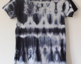 Women's tie dyed t shirt M