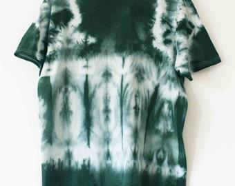 Men's tie dyed green t shirt XL