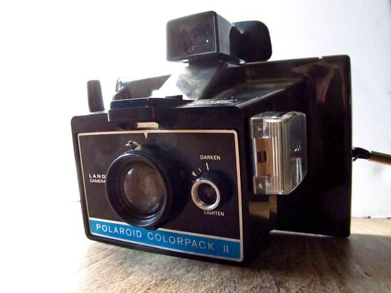 vintage polaroid camera 1970s polaroid colorpack ii. Black Bedroom Furniture Sets. Home Design Ideas