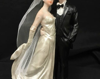 Bride and Groom Traditional Wedding Cake Topper Centerpiece Decoration