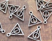40 Tiny Harry Potter Deathly Hallows Triangle Charms/Pendants Antiqued Silver Tone Double Sided 12 x 10 mm