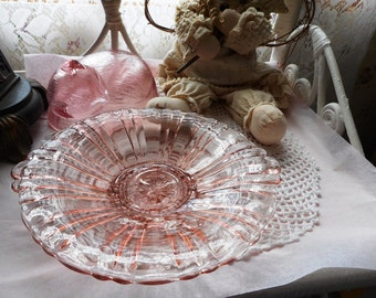 Old Cafe Pink // Depression Glass // Anchor Hocking // Mint Dish