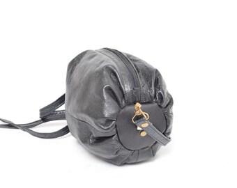 Vintage 90's Tube Round Leather  Mini Shoulder Bag