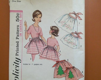 Simplicity 5228 Apron Mother Daughter Vintage Sewing Pattern 1960s 60s One Size