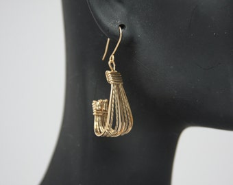 Classic Style Gold-Filled Wire Wrapped with a Twist Earrings SCS-029