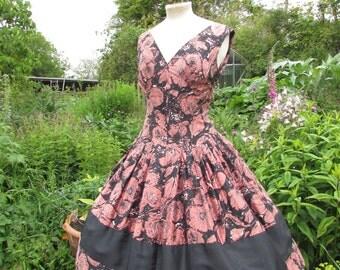 SALE Fantastic original vintage 1950's floral  print dress , 50's  Abstract Floral print , full circle skirt , size M / L