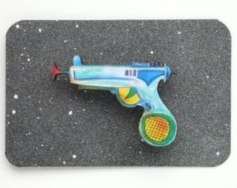 Raygun Brooch Boys Retro Ray Gun Badge Laser Gun Pin Laser Cut Wood Geekery Gift