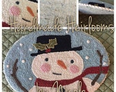 "With Thy Needle & Thread's ""Holly Jolly Frosty"""