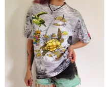 90s Allover Print Underwater Fish Shirt - Large Unisex Mens Womens Sea Turtle Neon Pattern Tee Shirt - Deep Sea Diver 1990s T-shirt