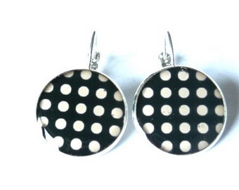 POLKA DOT Lever Back EARRINGS - Back and white - Drop Earrings - Silver - Resin Earrings - Jewelry