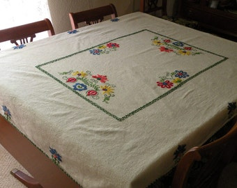 Embroidered Flower Tablecloth
