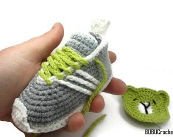 Gray Crochet baby sneakers, Crochet Baby Booties, Crochet Baby Shoes, Crochet sneakers, gray baby shoes,Baby Booties,  baby sneakers