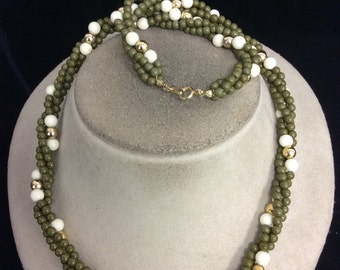 Vintage Green & Off White Beaded Necklace
